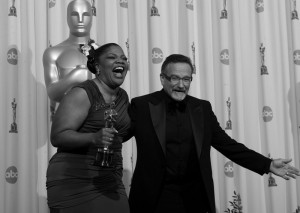 "Presenter Robin Williams jokes with Mo'Nique, who won for Best Actress in a Supporting Role for  ""Precious: Based on the Novel Push by Sapphire"" during the 82nd Annual Academy Awards at the Kodak Theatre in Hollywood, California on Sunday, March 7, 2010. (Kevin Sullivan/Orange County Register/MCT)"